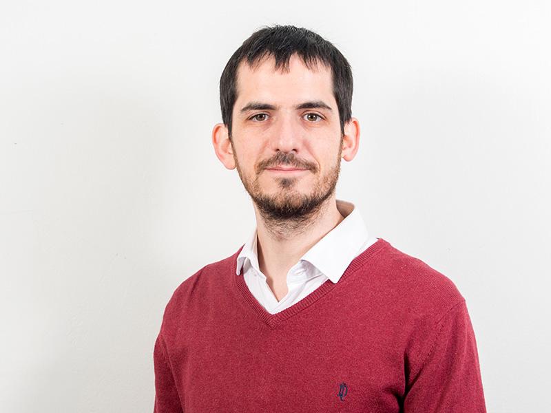 Dr. Álvaro Átala