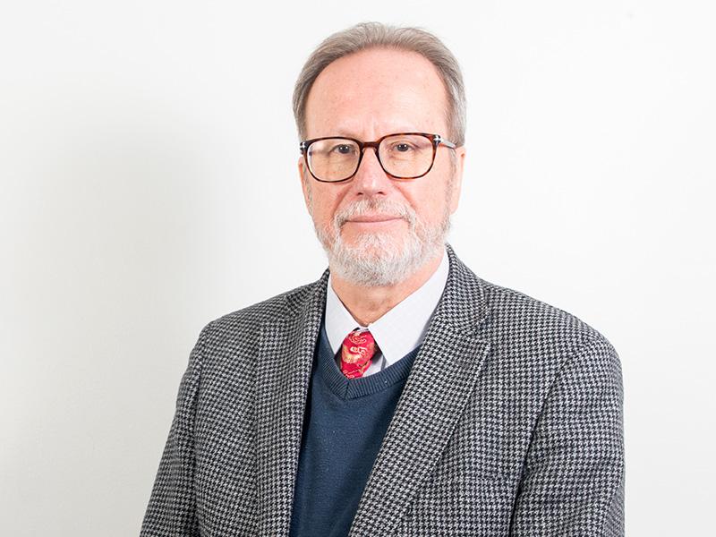 Dr. Fernando Ivanovic-Zuvic Ramírez