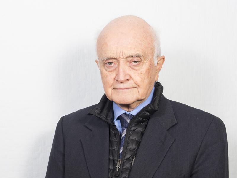 Dr. Ramón Florenzano Urzúa